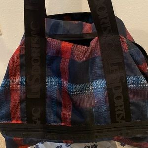Lesportsac gym/weekend bag with shoe compartment